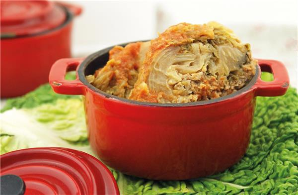 Cabbage Stuffed with Duck Liver