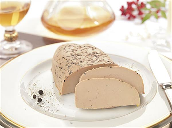 Lobe of  Whole Duck Foie Gras from the South-West with Black Pepper Half-Cooked