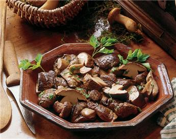 Ceps Cooked with Oil - Legs and Pieces